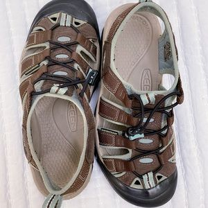Keen Newport H2 brown blue 7.5 hiking sandals